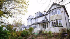 蒙克顿国王学校附近优质三居室半独栋别墅