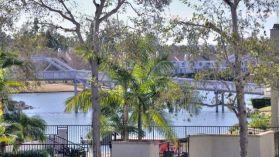 加州大学尔湾分校附近全方位湖景别墅,尔湾北湖边,顶级学区,69.9万美金