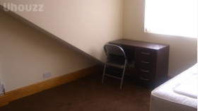 干净整洁四居室别墅