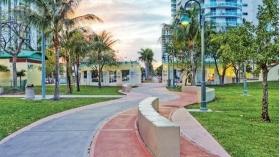 Bay Parc Plaza