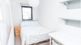 精美现代五居室公寓