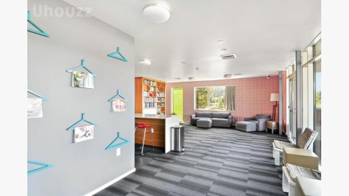 Skybox Apartments-516496